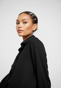 Anna Field - SET-5 PACK - Příslušenství kvlasovému stylingu - black/purple - 1