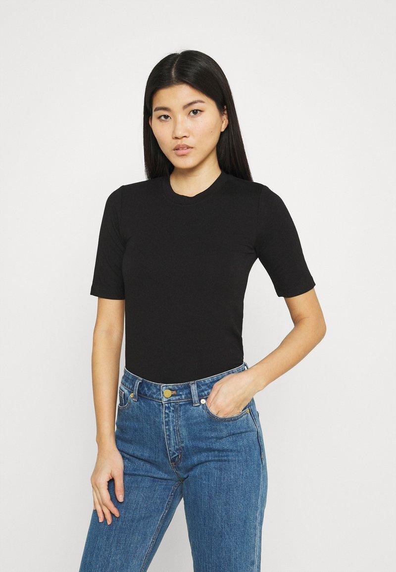 Stylein - CHAMBERS - Jednoduché triko - black