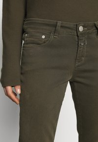 CLOSED - BAKER - Skinny džíny - shadow green - 5