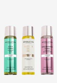 Revolution Skincare - REVOLUTION SKINCARE TOTALLY TONICS COLLECTION - Skincare tool - - - 0
