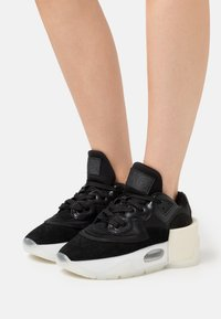 MM6 Maison Margiela - Baskets basses - black - 0