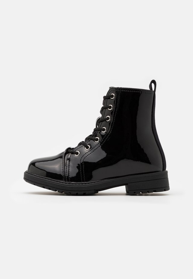 LACE UP ROXIE BOOT - Stivaletti stringati - black