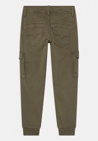 Pepe Jeans - CHASE  - Cargo trousers - army - 1