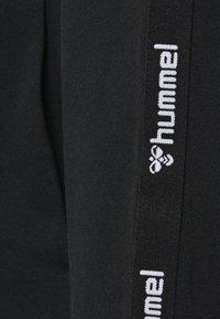 Hummel - HMLSCORPIUS  - Zip-up hoodie - black - 3