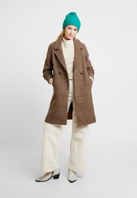 b.young - BYAMANO - Manteau classique - fossil - 1