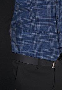 Topman - JAMES - Gilet elegante - blue - 6