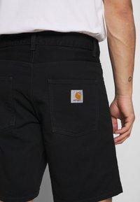 Carhartt WIP - NEWEL MAITLAND - Denim shorts - black rinsed - 4