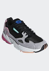 adidas Originals - FALCON - Sneakers laag - black - 3