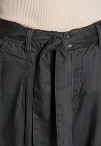 Lounge Nine - BODINA PANT - Trousers - dark shadow - 4