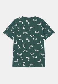 Monta Juniors - TAAVI UNISEX - Print T-shirt - mallard green - 1