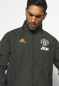 adidas Performance - MANCHESTER UNITED SPORTS FOOTBALL JACKET - Equipación de clubes - olive - 3