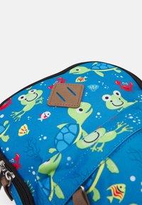 Fabrizio - MINI KIDS BACKPACK TURTLES UNISEX - Rucksack - blue/green - 3