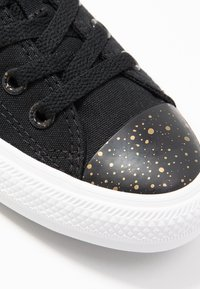 Converse - CHUCK TAYLOR ALL STAR - Sneakersy niskie - black/white/gold - 2