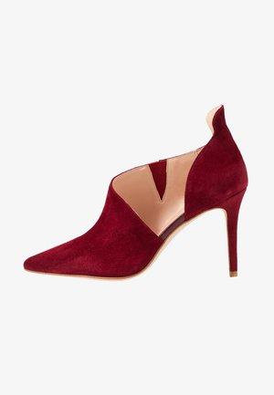 Lodičky na vysokém podpatku - dark red