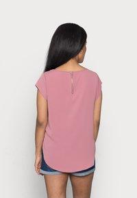ONLY Petite - ONLVIC SOLID PETIT - Print T-shirt - mesa rose - 2