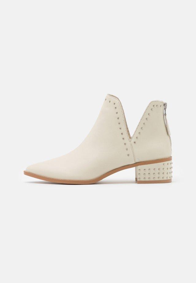 JILL - Ankle boot - bone