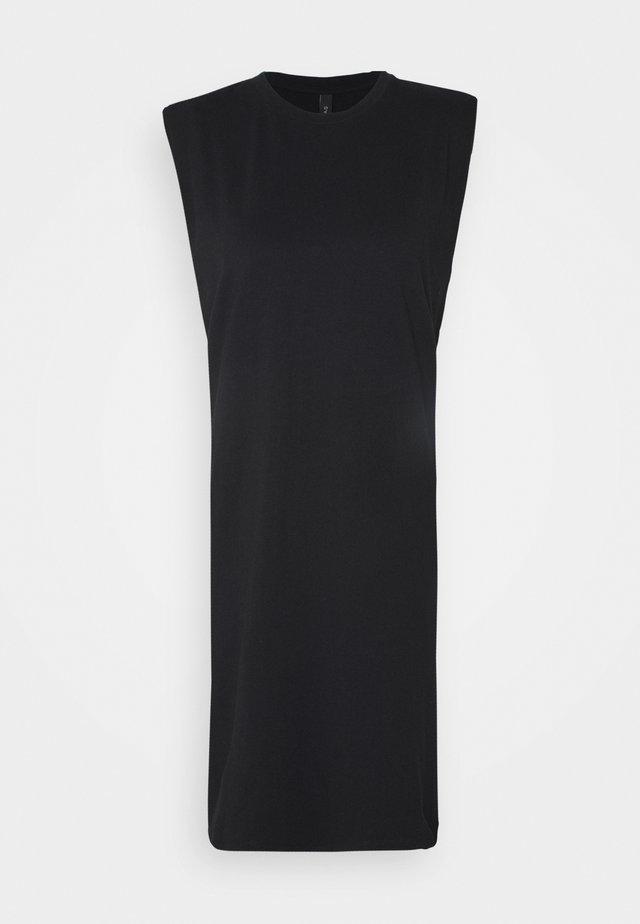 YASSARITA PADDED SHOULDER - Žerzejové šaty - black