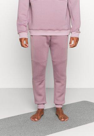 LONG PANTS DIVIDING SEAMS - Teplákové kalhoty - smoke lavender