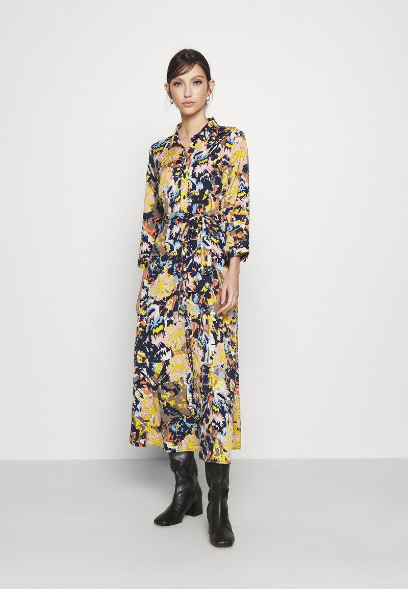 Pieces - PCROSITA 3/4 MIDI DRESS - Shirt dress - navy blazer/misty rose