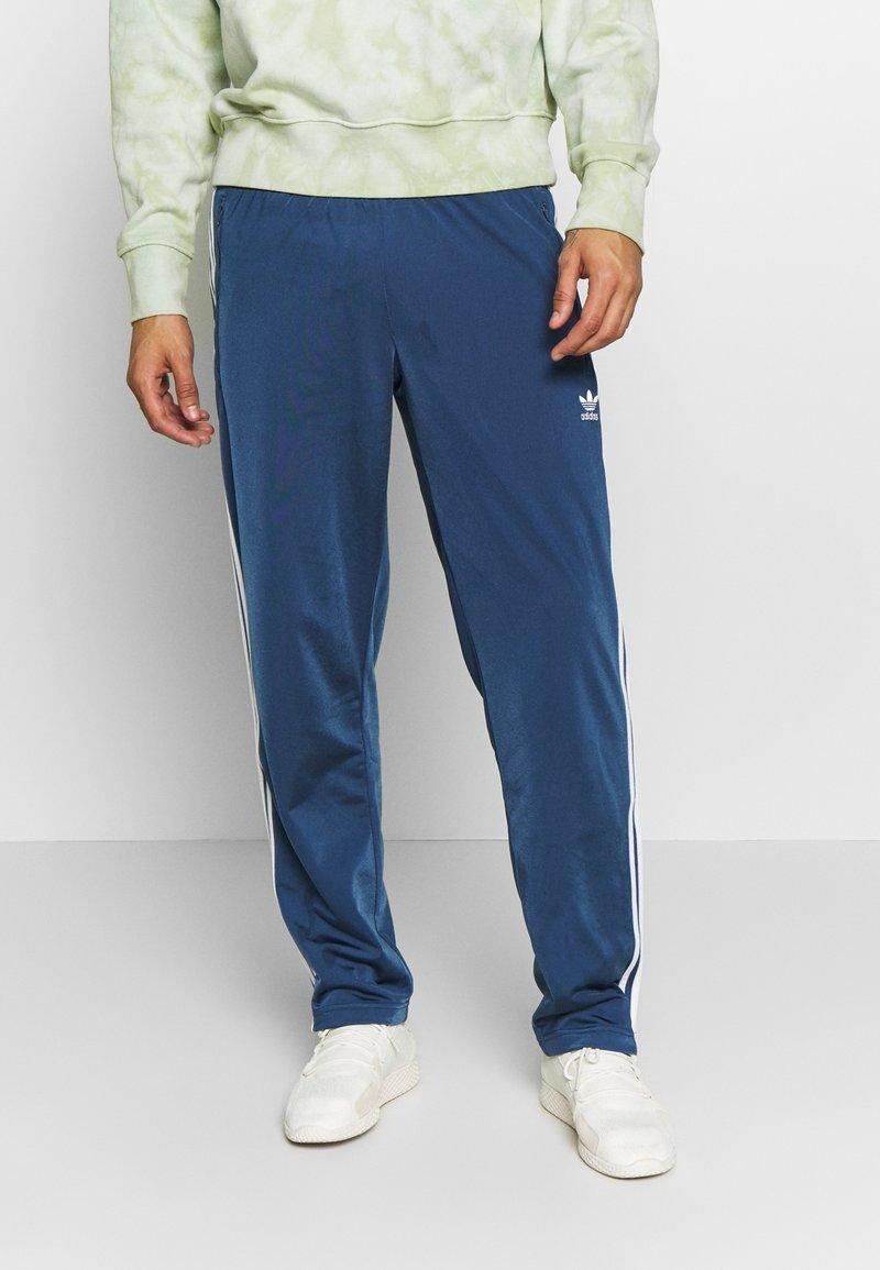 adidas Originals - FIREBIRD ADICOLOR TRACK PANTS - Träningsbyxor - marine