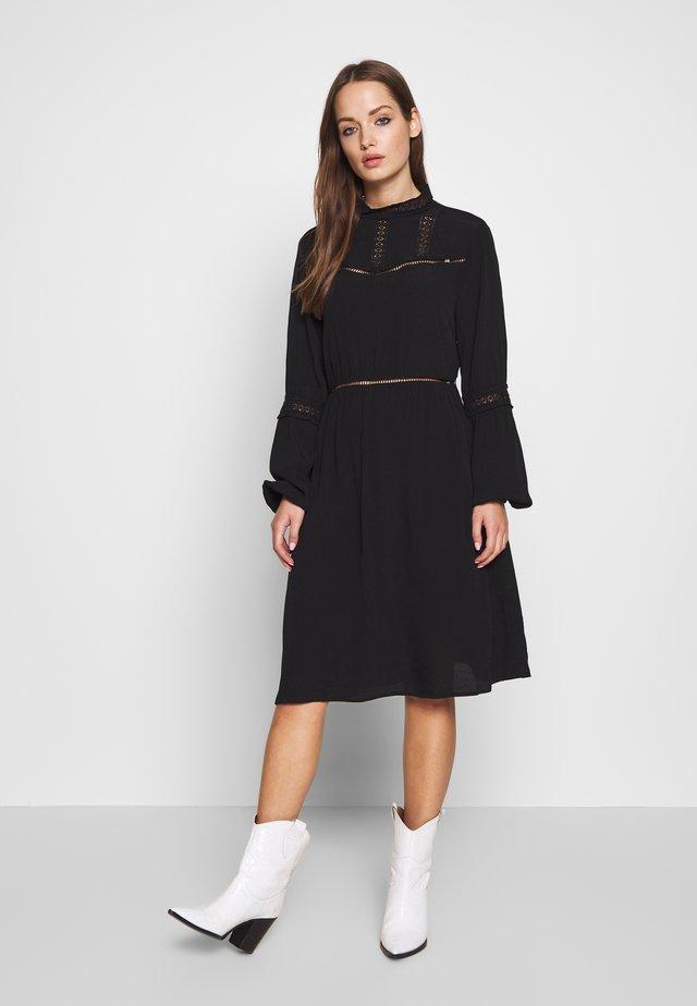 OBJSIFKA DRESS  - Vapaa-ajan mekko - black