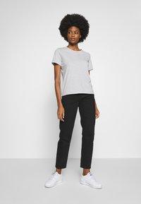 GANT - THE ORIGINAL  - Basic T-shirt - light grey - 1