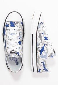 Converse - CHUCK TAYLOR ALL STAR SHARK BITE  - Trainers - photon dust/rush blue/white - 0