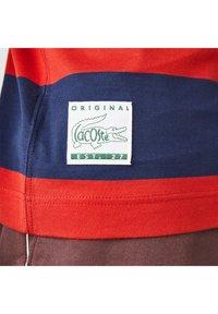 Lacoste - Print T-shirt - bleu rouge - 4