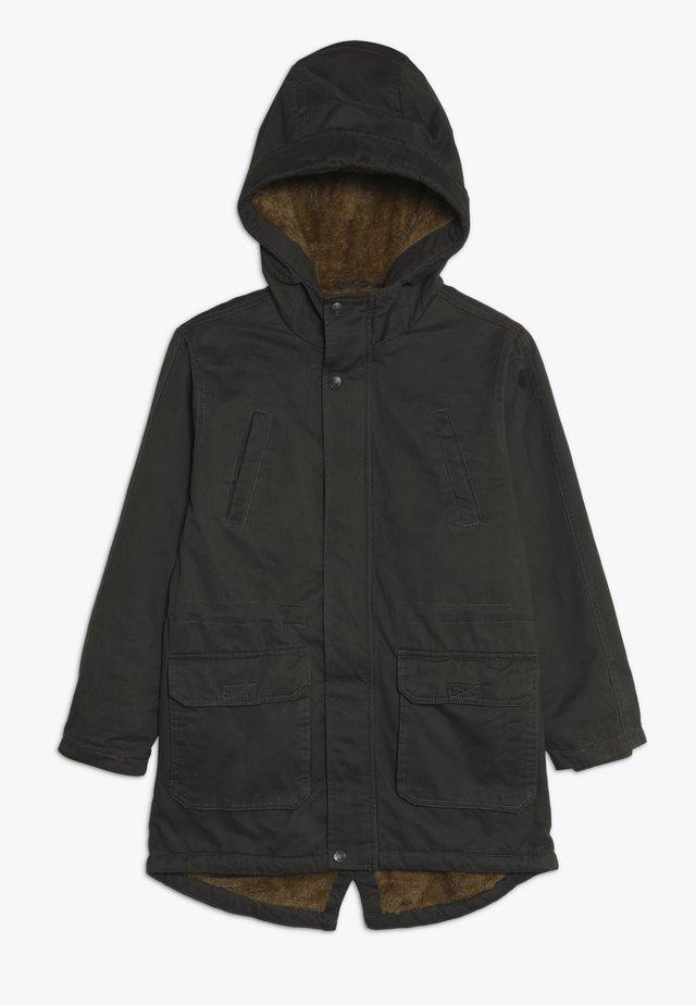 Abrigo de invierno - dark oliv orig