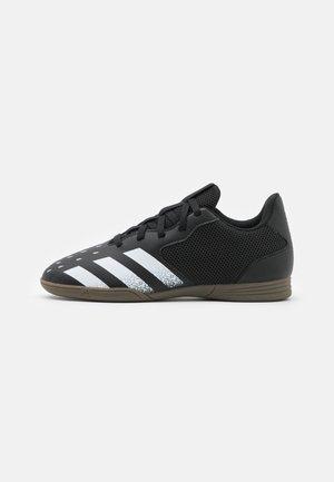 PREDATOR FREAK 4 IN SALA UNISEX - Halové fotbalové kopačky - core black/footwear white