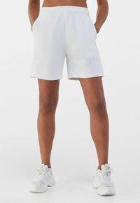 Bershka - Shorts - nude - 0