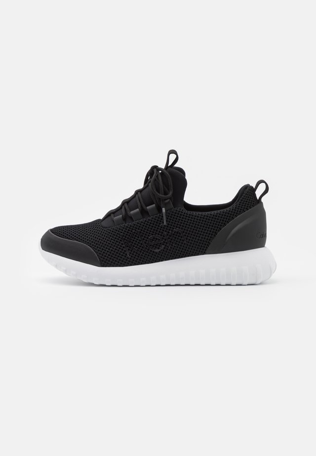 RUNNER LACEUP  - Sneakers laag - black
