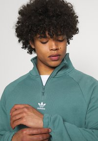 adidas Originals - TREFOIL UNISEX - Sweatshirt - hazy emerald - 3