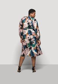 Marks & Spencer London - PRINTED MIDI DRES - Korte jurk - multi-coloured - 2