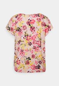Vero Moda - VMGIGI  - T-shirt med print - sepia rose - 1