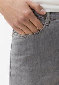 BRAX - STYLE MARY  - Straight leg jeans - light grey - 3