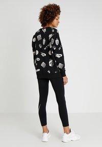 Nike Sportswear - CREW AIRMAX - Sweatshirt - black/white - 2