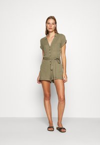 Abercrombie & Fitch - UTILITY ROMPER - Jumpsuit - olive - 1