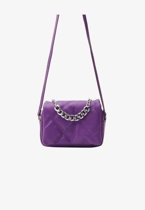 MIT KETTE  - Kabelka - purple