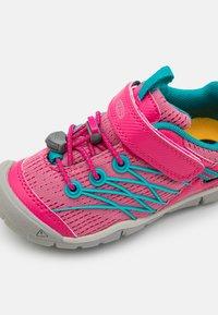 Keen - CHANDLER CNX - Hiking shoes - bright pink/lake green - 5