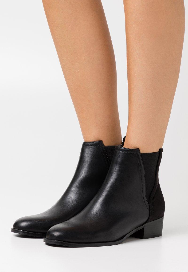 Tata Italia - Støvletter - black