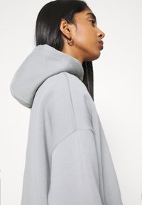 Nly by Nelly - OVERSIZED HOODIE - Sweat à capuche - gray/blue - 4