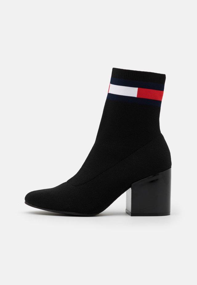 FLAG SOCK MID HEEL BOOT - Botines - black