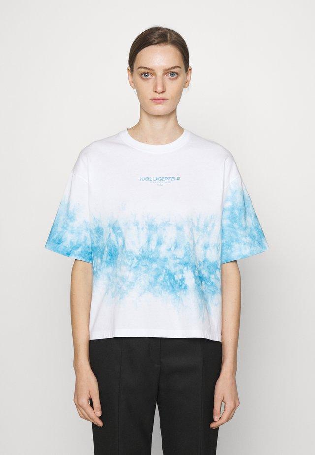 TIE DYE LOGO - Print T-shirt - pastel blue