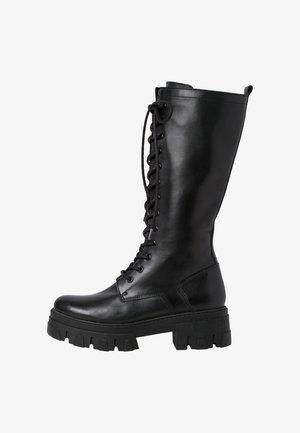 Šněrovací vysoké boty - black antic