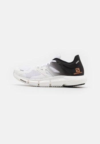 PREDICT2  - Zapatillas de senderismo - white/black