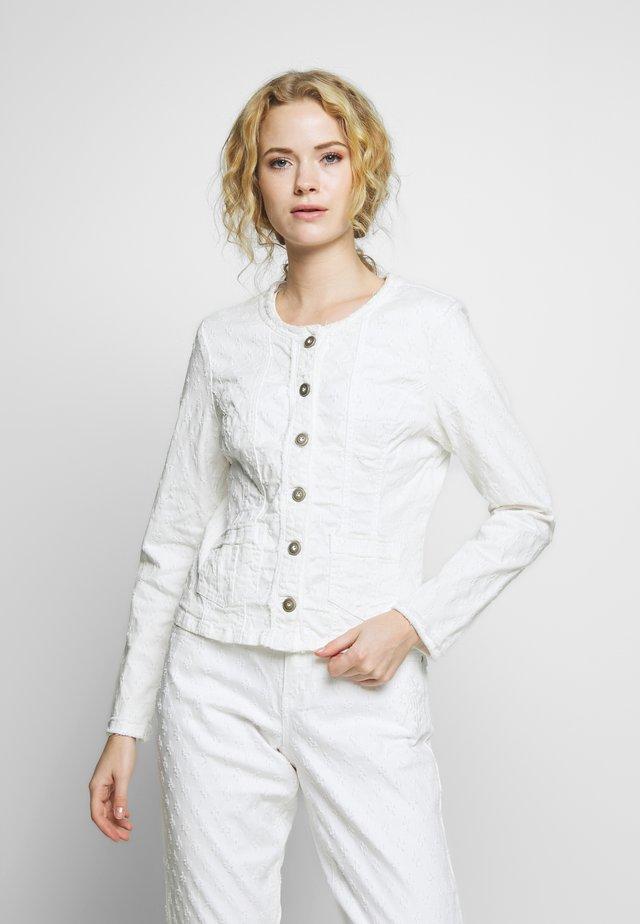 ROBINA JACKET - Denim jacket - chalk