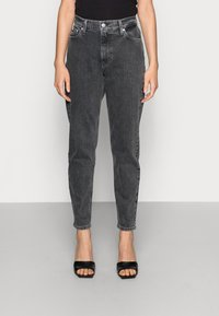 Calvin Klein Jeans - MOM JEAN - Slim fit jeans - grey - 0