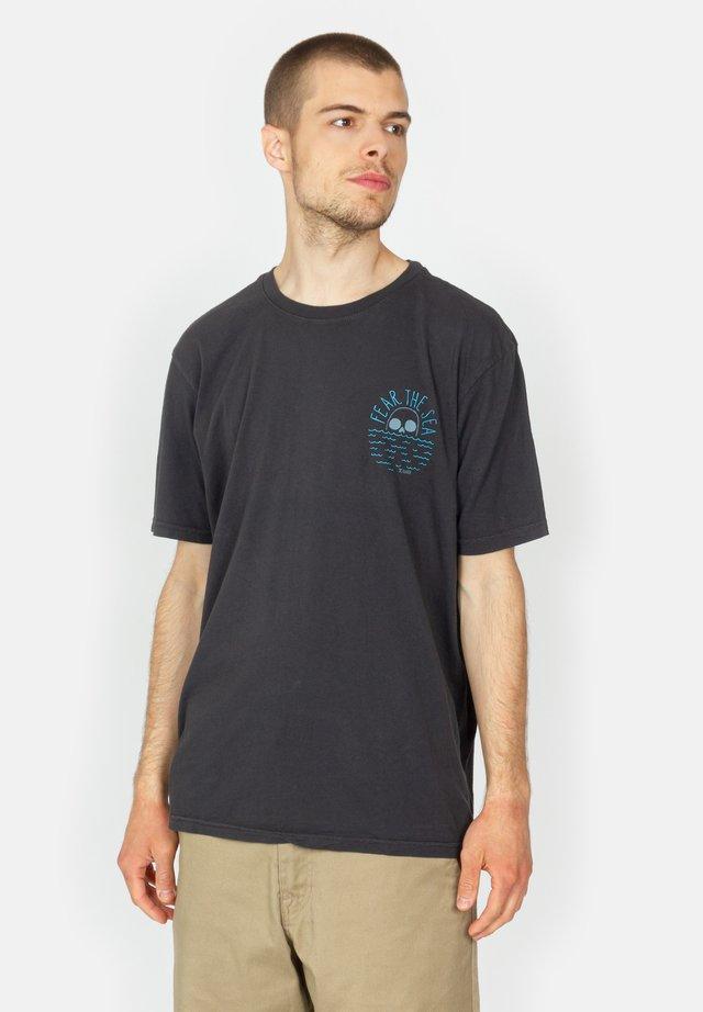 FEAR THE SEA - Print T-shirt - black