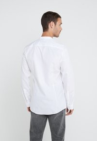HUGO - ENRIQUE - Formal shirt - open white - 2